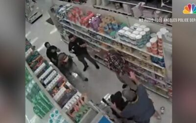 Videófelvétel: Két férfi bántalmazott egy bolti vagyonőrt, mert figyelmeztette őket a maszk viselésre.